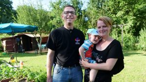 Familie Weirich in ihrem Kleingarten im Wiesental (Foto: www.sr.de)